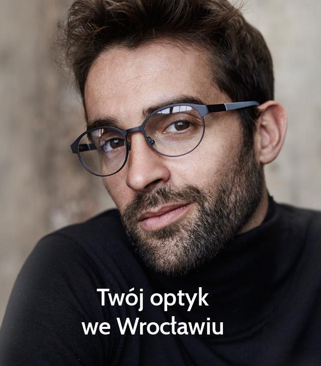 mężczyzna wnowoczesnych okularach
