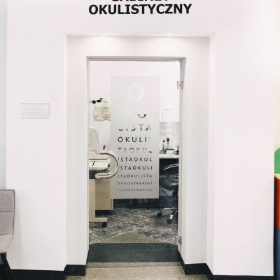 wejście do gabinetu okulistycznego